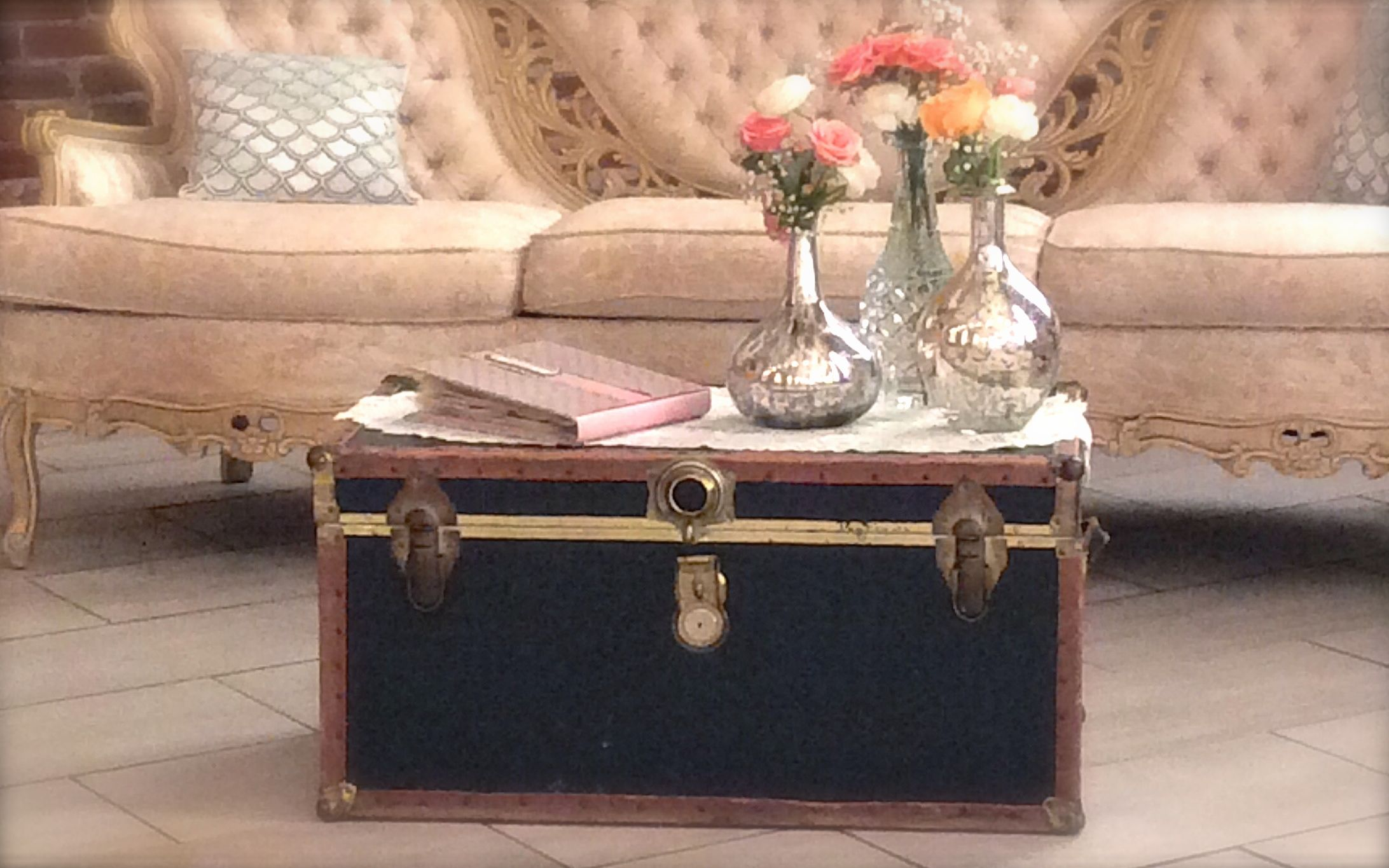 Vintage Suitcases & Trunks – Southern Vintage Table