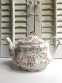Vintage Wood Pink Floral Teapot