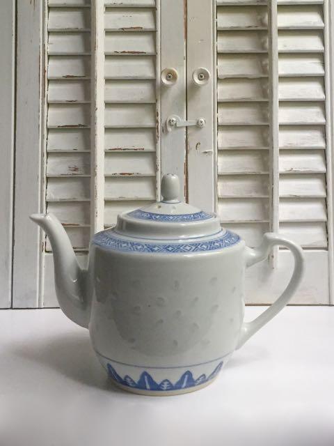 Asian Blue & White