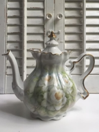 Vintage Green Floral Teapot