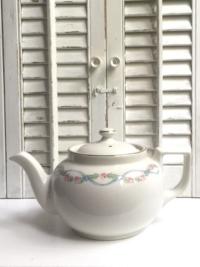 Vintage Hall Floral Garland Teapot