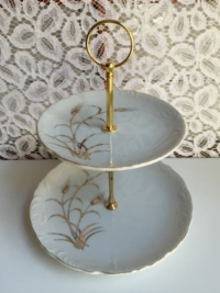 Vintage Wheat Tiered Stand