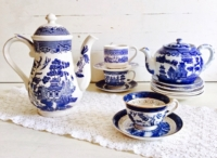 Vintage Blue Willow Tea Set with Runner