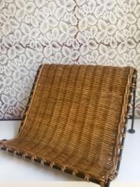Woven Table Easel