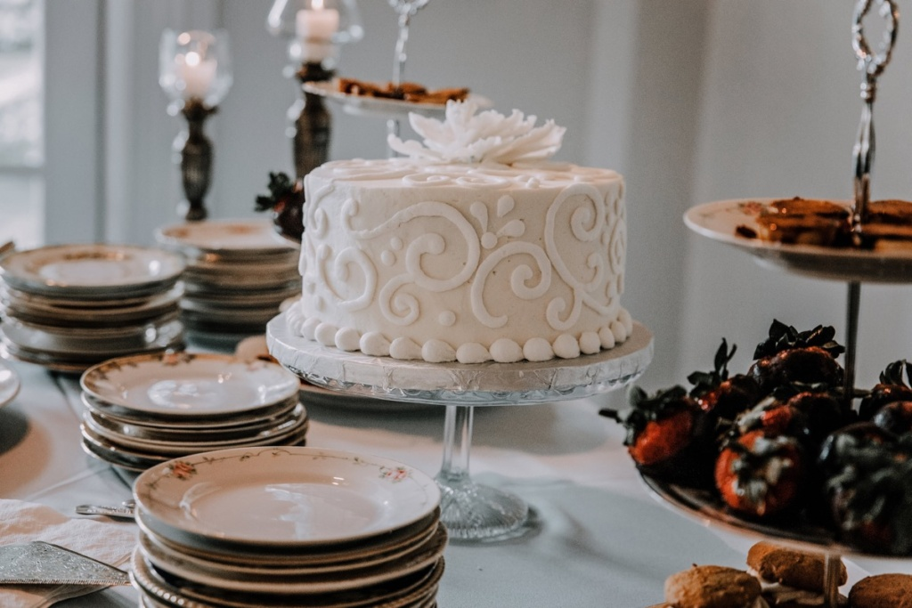 Wedding Cake on Vintage Cake Stand