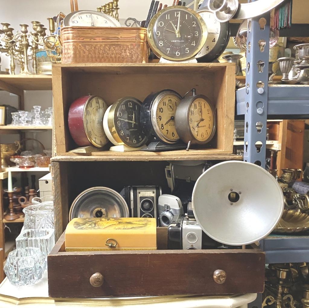 Vintage Clocks and Cameras Rental