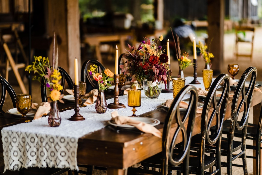 Vintage Wildflower Stoneware Table Settings